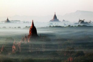 beautiful-buildings-peek-out-from-the-mist-in-bagan-myanmar