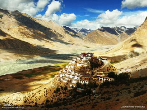 buddhist-monastery-village-in-the-himalayas-4500-meters