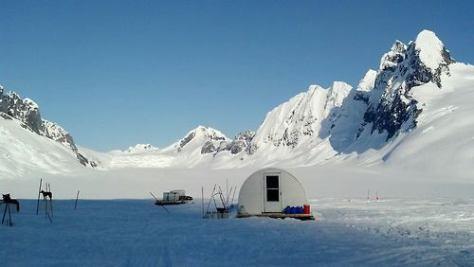 Winter cabin in Juneau, Alaska, USA.