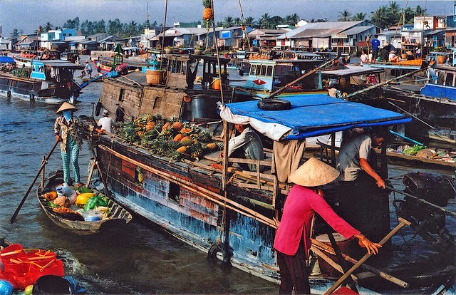 Stunning Floating Markets in Asia