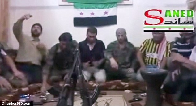 Video: Syrian rebel takes selfie with phone rigged to bomb