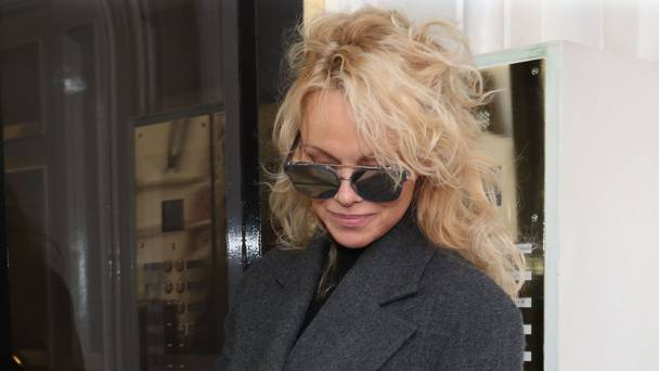 Ex-Baywatch star Pamela Anderson tells of 'love' for Julian Assange