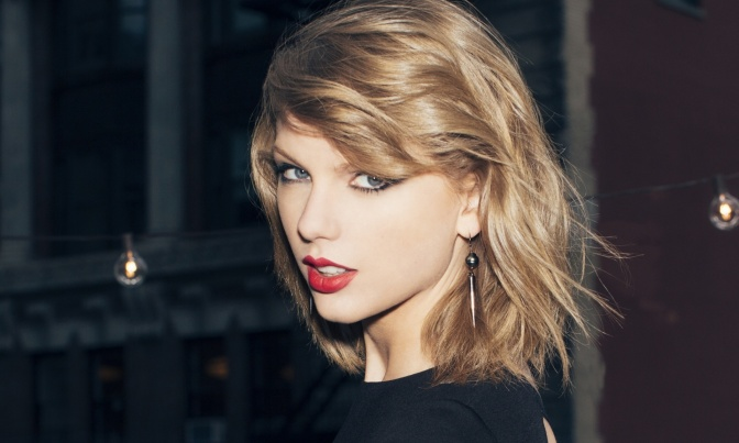 Taylor Swift the latest victim of naked photo leak / hack? Fappening 2.0?