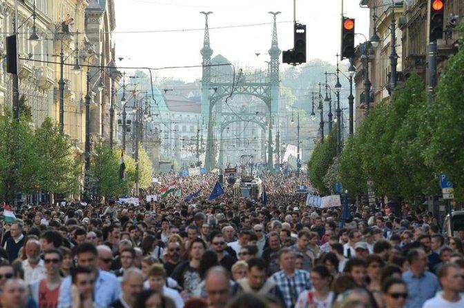 Pressure Grows as Hungary Adopts Law Targeting George Soros's University