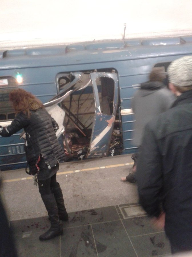 St Petersburg metro explosions: At least 10 dead and 20 injured reported after blast on subway in Russia