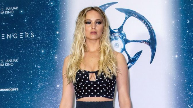 Jennifer Lawrence's airplane nightmare as engines fail during flight