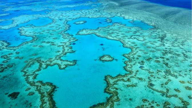 A Beautiful Blue Hole Has Been Discovered In The Great Barrier Reef
