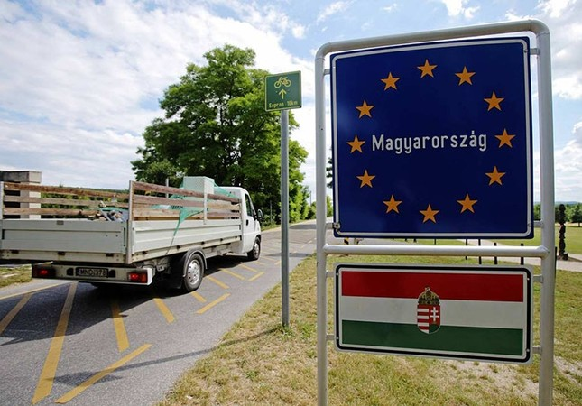 400 Turkish truck drivers held at Hungarian borders