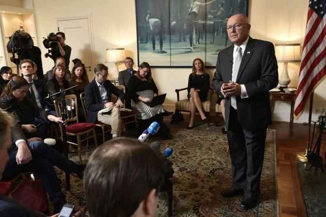 Donald Trump's new ambassador to Netherlands struggles to defend claim Muslims 'burned' Dutch politicians