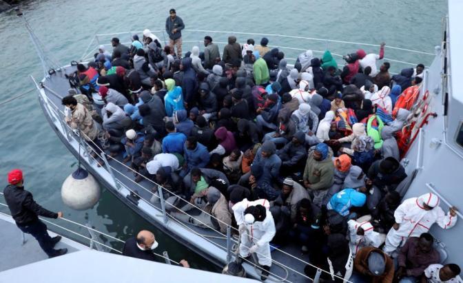 Survivors, coastguard say 100 migrants missing off Libya