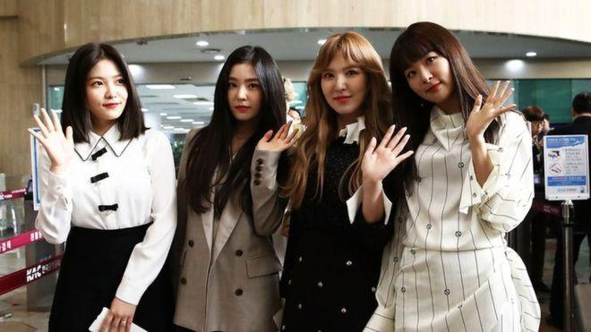 South Korea's K-pop superstars perform in North